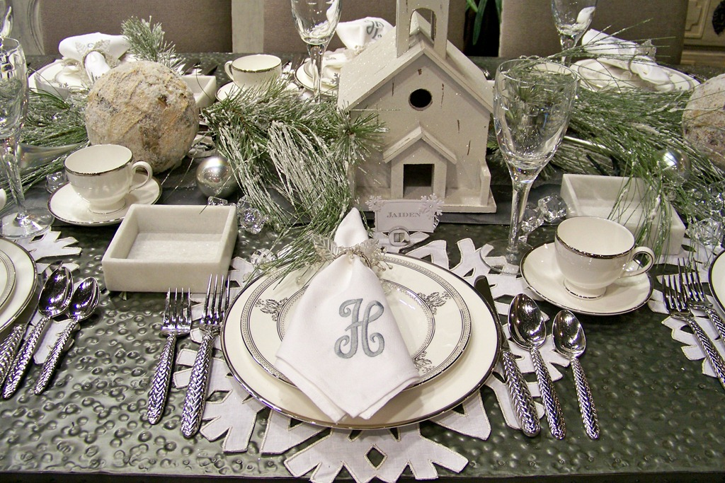 Used the snowflake theme in these place card holders which i already