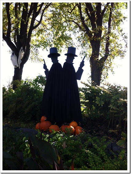 fall decor, dueling men